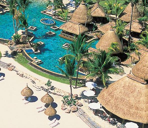 la pirogue resort 1